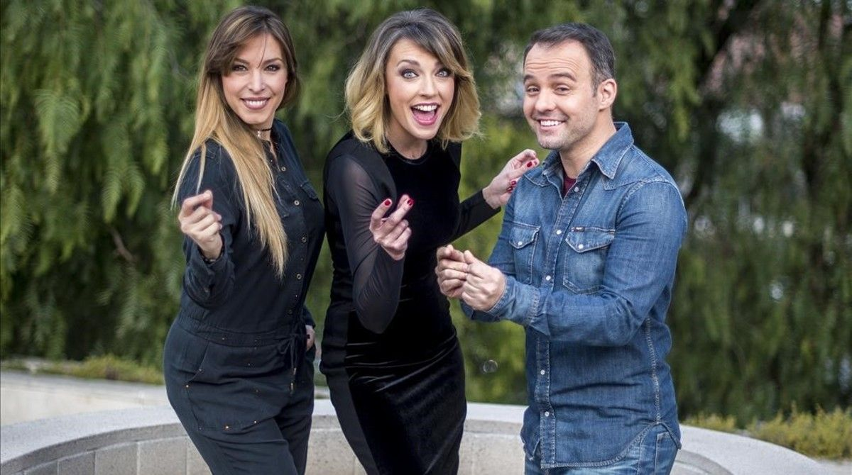 Gisela, Anna Simon y Daniel Anglès, en 'Oh happy day'.