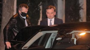 Warsaw (Poland)  08 12 2020 - Polish Justice Minister and General Prosecutor Zbigniew Ziobroi (R)  leaves after a meeting with the Prime Minister of Hungary  Viktor Orban  in a government villa at Parkowa Street in Warsaw  Poland  08 December 2020  The subject of the meeting between Orban and Prime Minister of Poland Mateusz Morawiecki  Deputy Prime Minister Jaroslaw Kaczynski  Polish Justice Minister and General Prosecutor Zbigniew Ziobro and Jaroslaw Gowin  leader of the Agreement are the ongoing negotiations on the shape of the European Union budget  (Hungria  Polonia  Varsovia) EFE EPA PAWEL SUPERNAK POLAND OUT