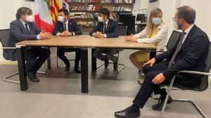 Imagen de la reunión mantenida esta tarde en l'Alguer.