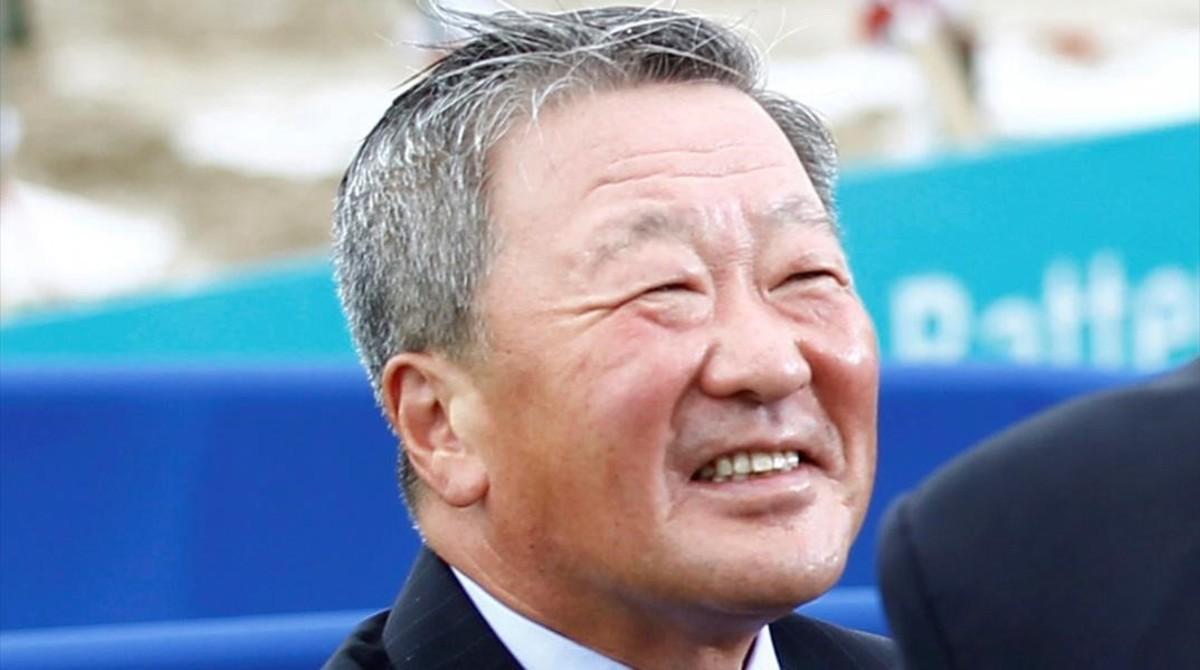 El presidente de LG,Koo Bon-moo, en el 2010.