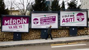 Carteles electorales en la localidad turca de Mardin.
