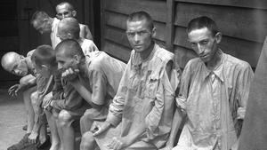 Presos en el campo de Mauthausen.