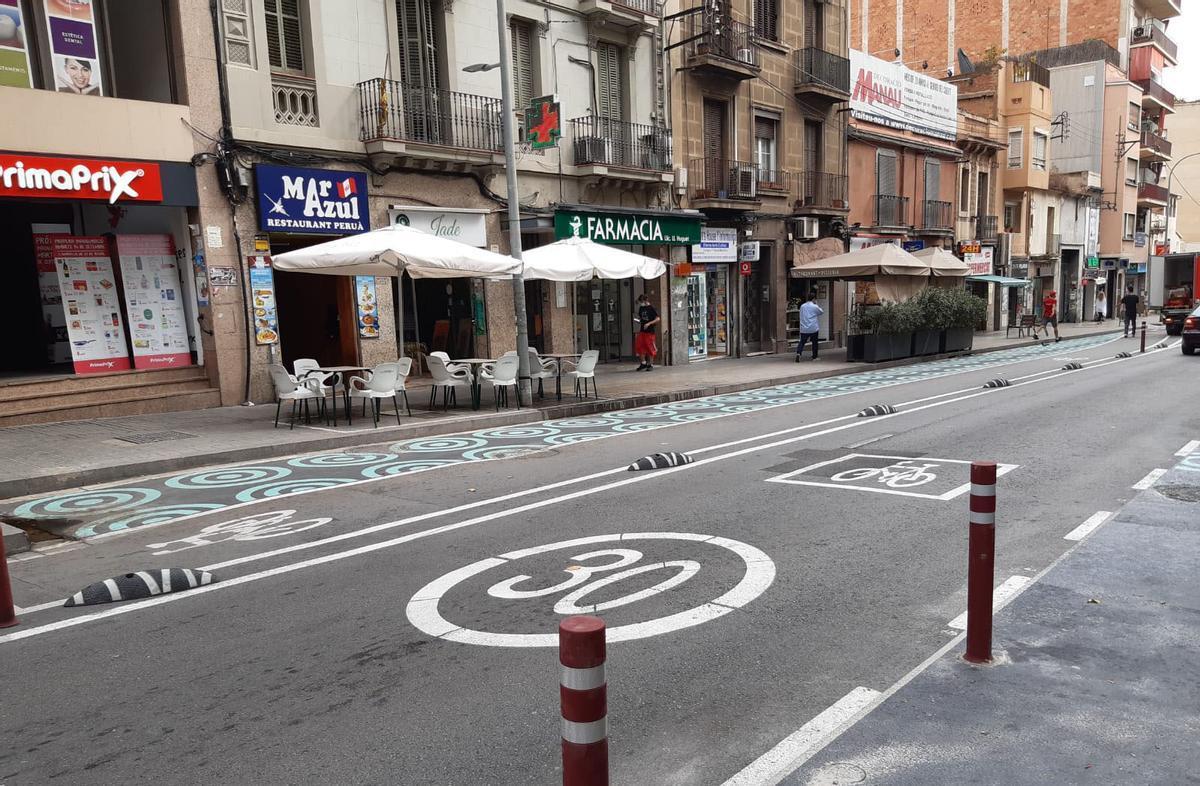 Culmina la pacificació de la carretera de Collblanc amb el carril bus-bici en tota la via