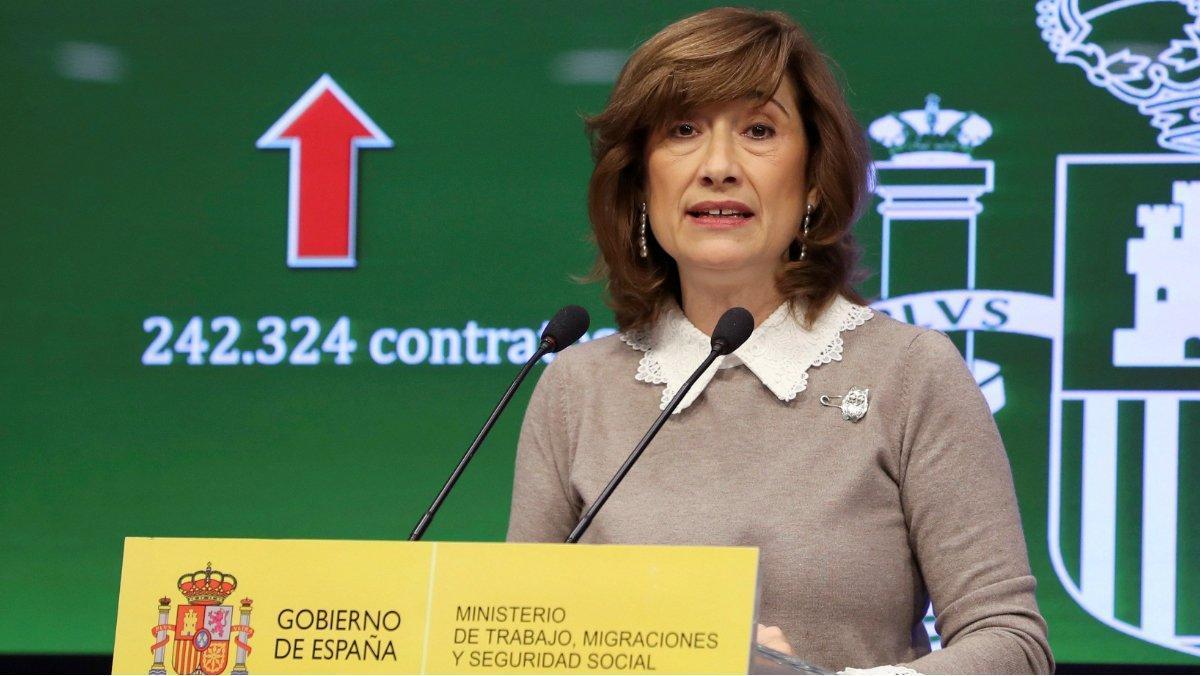 La secretaria de Estado de Empleo, Yolanda Valdeolivas, durante una rueda de prensa.