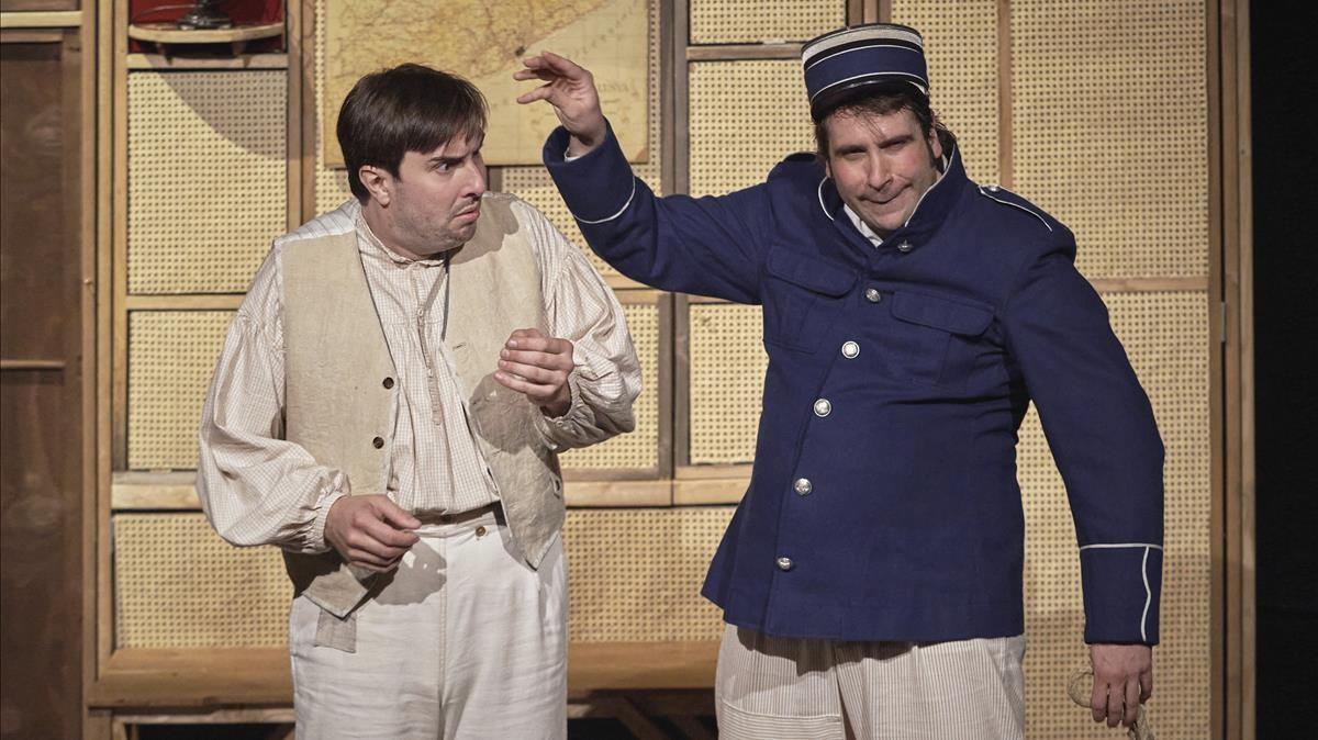 Los actores Oriol Puig (izquierda) y Ricard Farré en un momento de 'El bon policia'.