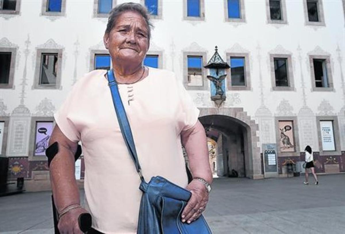 Júlia Ferrer: «Aún tengo marcas de los golpes de las monjas»