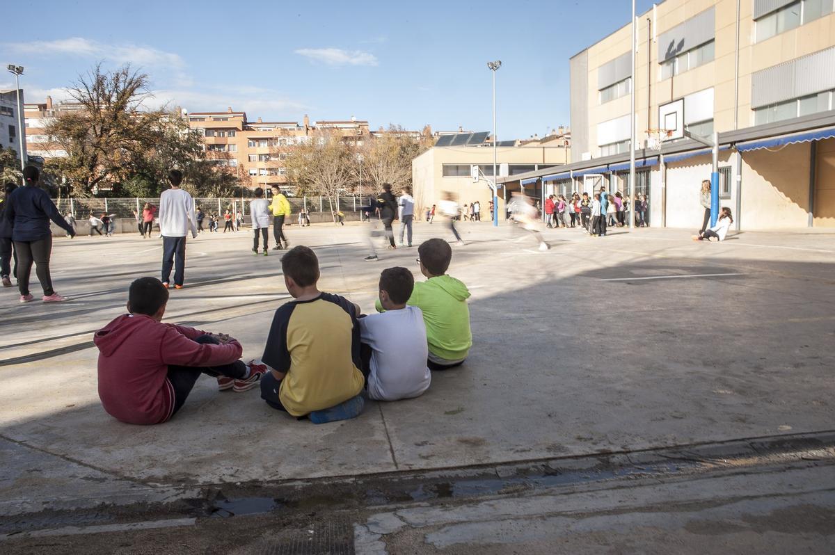 Imagen de archivo del patio de una escuela