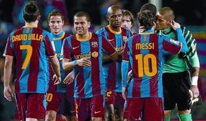Los jugadores del Barça celebran el triunfo ante el Atlético de Madrid, el sábado en el Camp Nou.