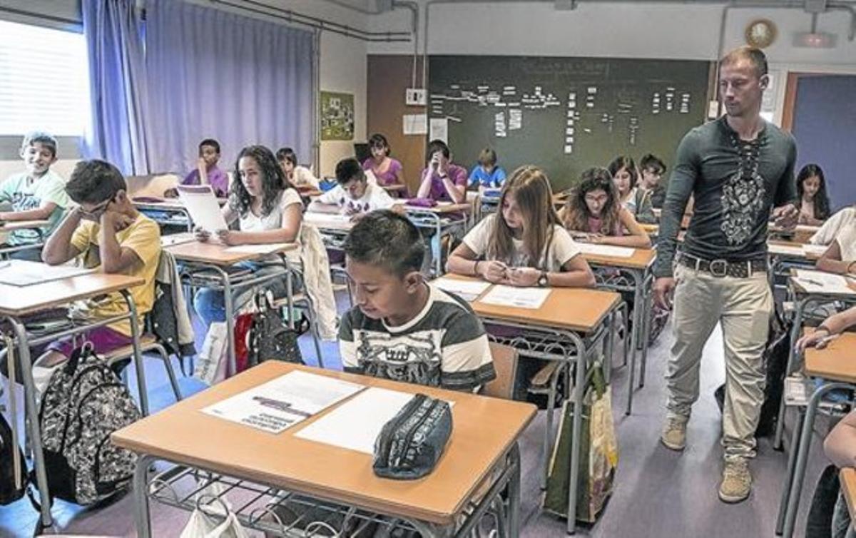 Pruebas de competencias de sexto de primaria en la escuela pública Eulàlia Bota de Barcelona, en mayo del año pasado.
