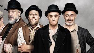 Los protagonistas de 'Esperando a Godot' caracterizados como sus respectivos personajes en la obra.