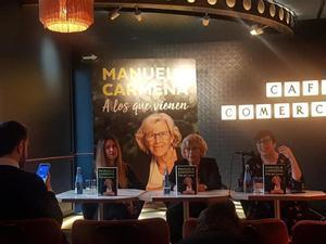 La exalcaldesa de Madrid, Manuela Carmena, durante la presentación de su libro.