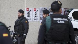 Multa de 3.000 euros a un guàrdia civil per haver disparat a els cases dels seus veïns