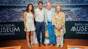 Xisca Perello,Rafael Nada, Don Juan Carlosy Doña Sofía, el viernes en Mallorca.