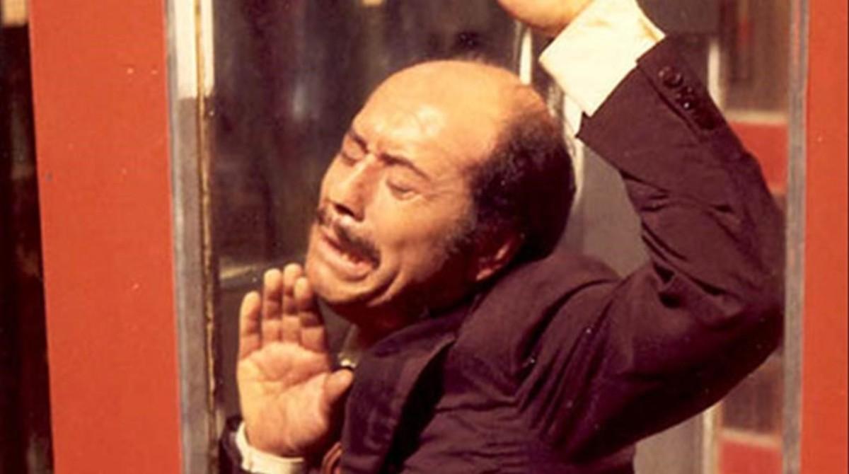 José Luis López Vázquez en una de las escenas de 'La cabina'.