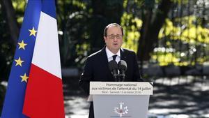 El presidente francés, François Hollande, durante un homenaje el año pasado en Niza.