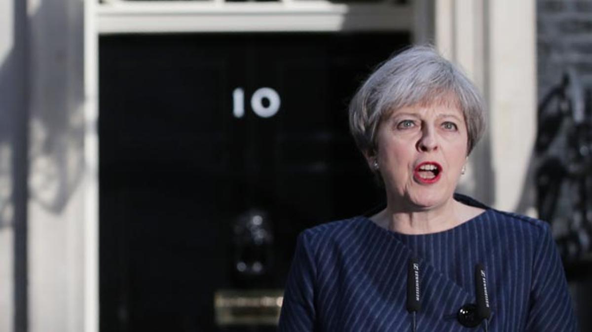 La premier británica quiere una posición fuerte para poder negociar el Brexit.