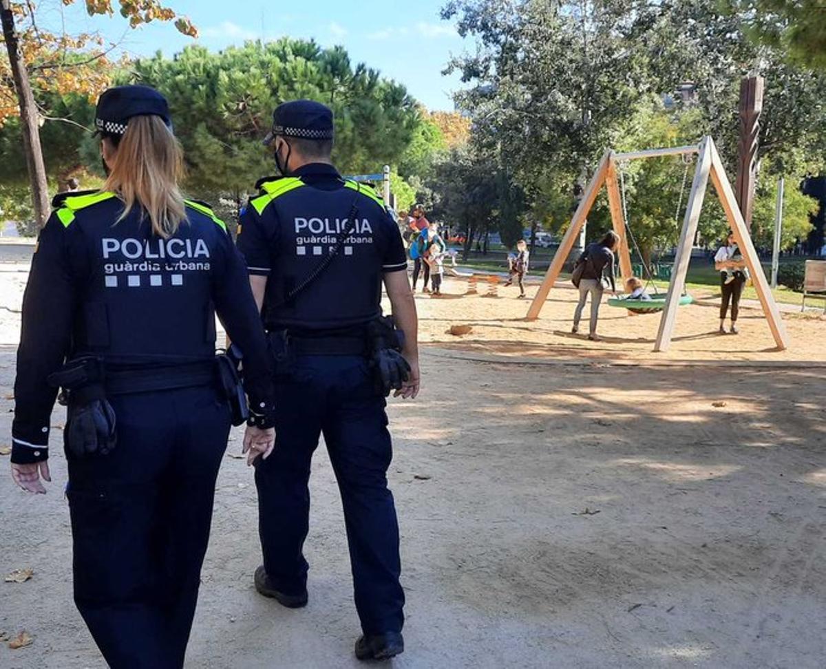 Detingut un home a Barcelona per exhibicionisme davant menors