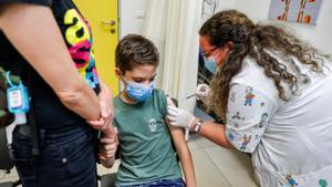Els nous casos de coronavirus amenacen la tornada a la normalitat a Israel