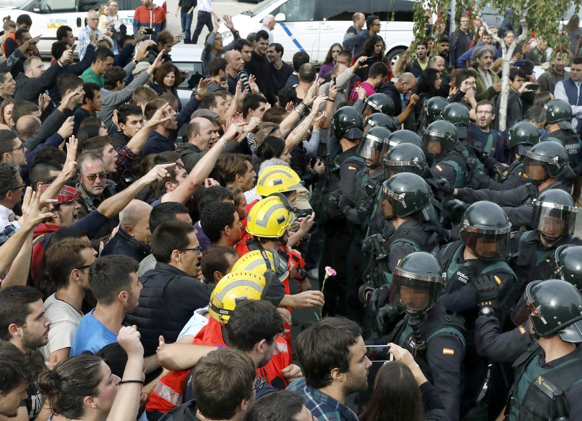 Incidentes en Sant Julià de Ramis, durante el 1 de octubre de 2017.