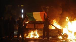 Disturbios en Belfast en una imagen del 2010.