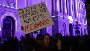 Manifestación contra la violencia machista en la plaza de Sant Jaume, en noviembre del 2016.