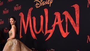 La actriz Yifei Liu, protagonista de 'Mulan', el pasado marzo en el Dolby Theatre de Hollywood.