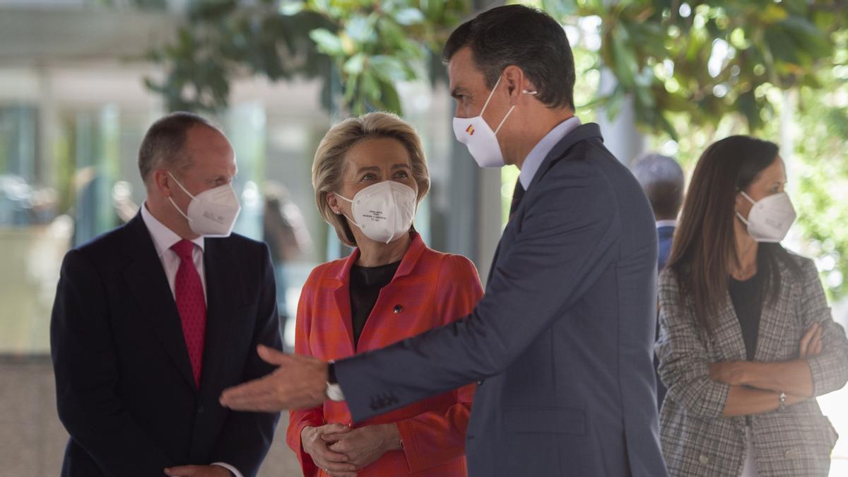 Pedro Sánchez se reúne con la presidenta de la Comisión Europea, Ursula von der Leyen