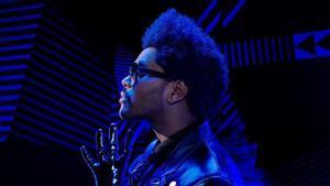 El artista canadienseThe Weeknd cantará en la media parte de la Super Bowl.