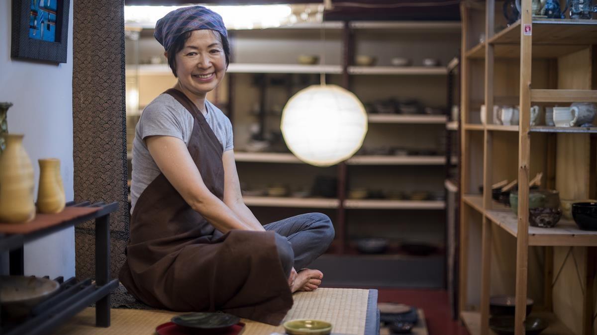 """Motoko Araki: """"Tenemos manos para hacer cosas bellas y parece que hoy solo sirven para apretar botones"""""""