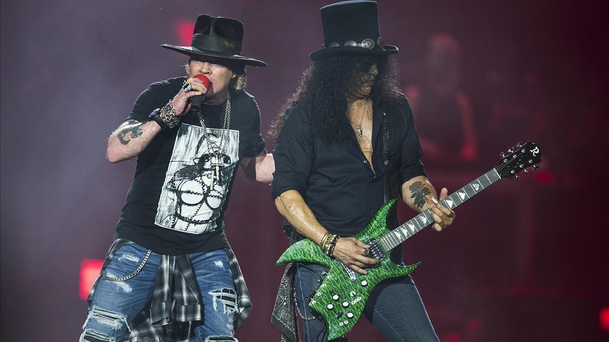 Axl y Slash, de Guns n'Roses, en el Estadi Olímpic de Barcelona.