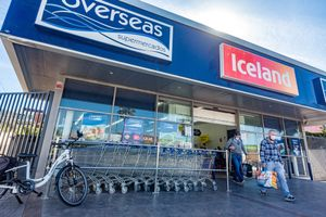 Supermercado británico Overseas Iceland en Benidorm.