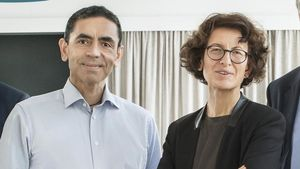 Ugur Sahin y su esposa, Özlem Türeci, propietarios de BioNTech.