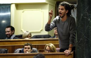 El Supremo interrogará el jueves al número tres de Podemos por un altercado en Canarias