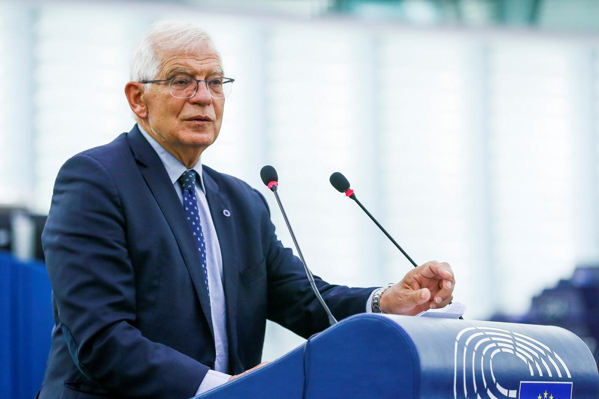 Borrell no espera una onada massiva de refugiats afganesos a Europa