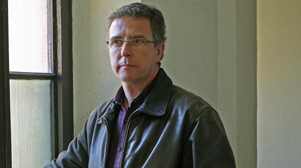 El periodista Jordi Panyella, autor del libro 'Salvador Puig Antich, cas obert', en la presentación de este miércoles, 29 de enero, en la Modelo. EFE / TONI GARRIGA