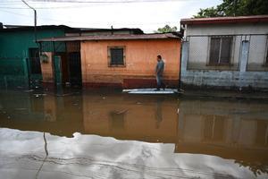 En la zona Pacífico, Eta afectó con lluvias y vientos provenientes del suroeste.