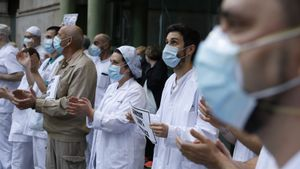 Parla una metge: «Amb la pandèmia he tingut ganes de morir-me»