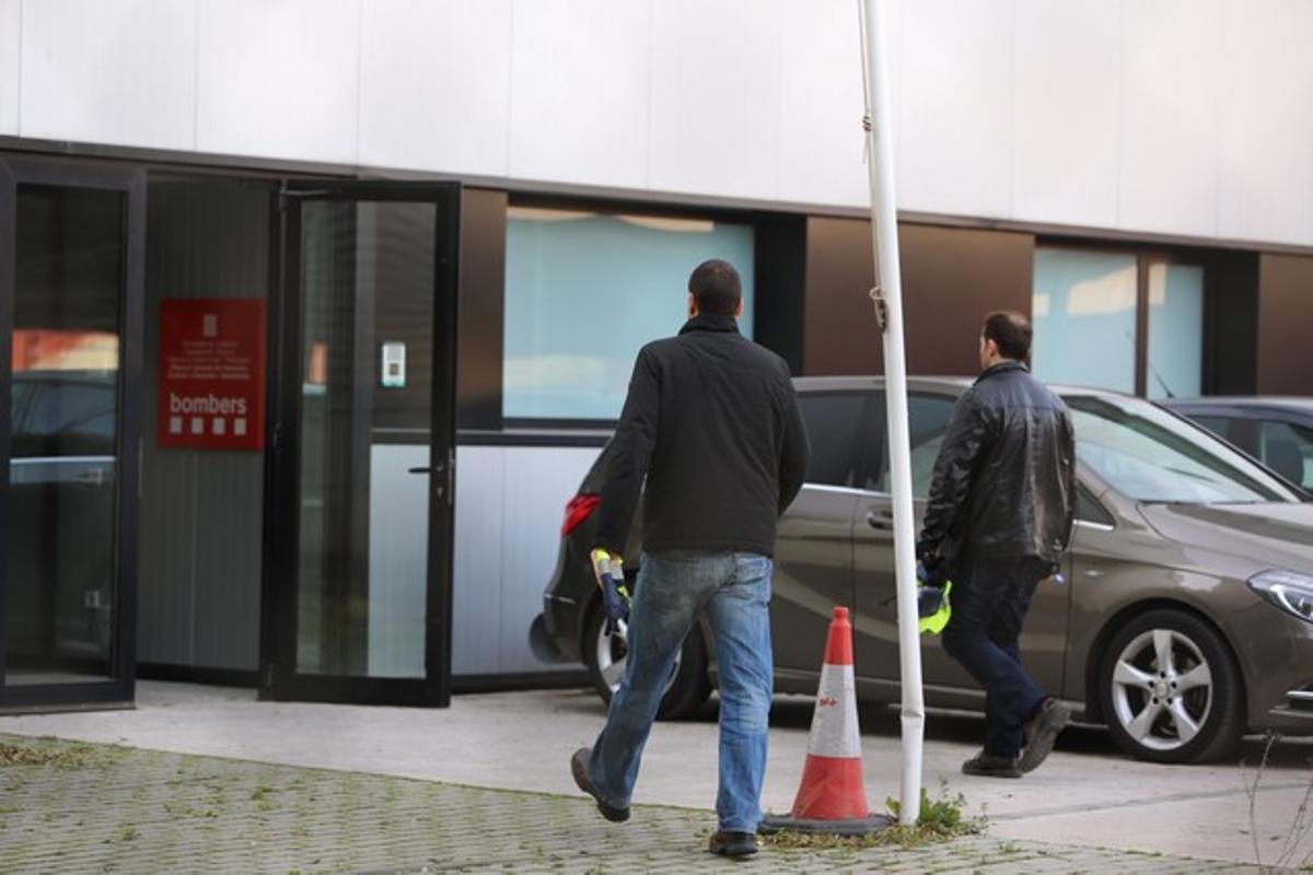 Operacion anticorrupcion en Sant Boi, por un caso de contratación aérea para la protección de incendios en el parque de bomberos.
