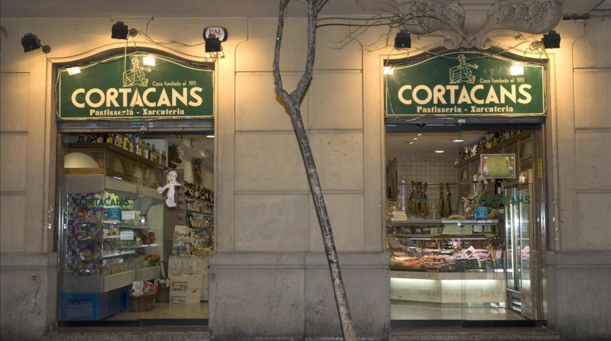 Las puertas del carismático colmado Cortacans, de la calle Craywinckel, cerraron para siempre.