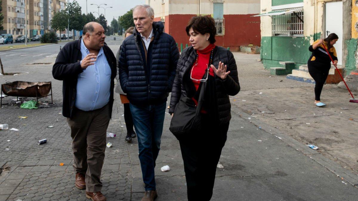 Visita del relator de la ONU sobre la pobreza extrema, Philip Alston, al Polígono Sur de Sevilla.