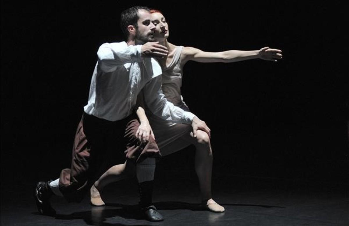 Dos bailarines del Ballet Preljocaj en'La Stravaganza'.