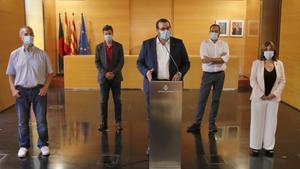 El alcalde de Mataró, David Bote, con algunos de los concejales del gobierno municipal.