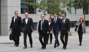 Els exconsellers, aquest dijous arribant a l'Audiència Nacional perdeclarar davant la jutgessaCarmen Lamela.