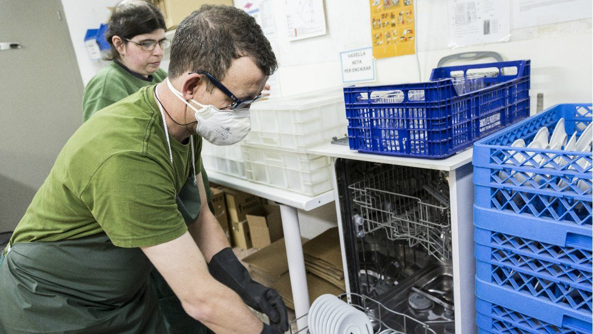 Trabajadores de la cooperativa Femarec, en la que trabajan unas 150 personas con discapacidad.