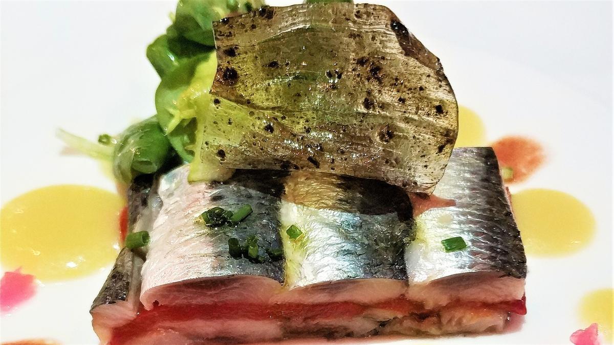 El prensado de sardinas con pimientos del piquillo de Mas Marroch.