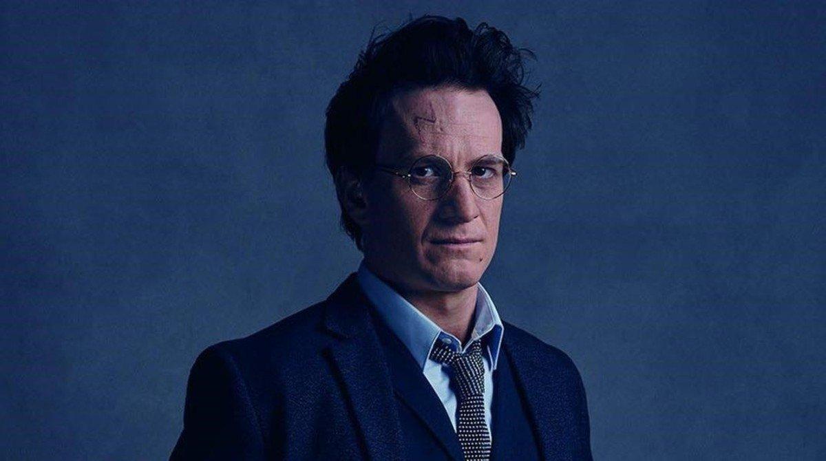 Harry Potter, interpretado en los escenarios por Jamie Parker.