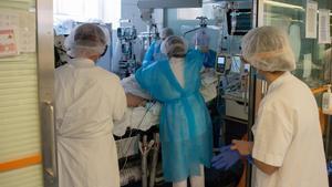 Cuidado de pacientes con covid en el Hospital Clínic de Barcelona.