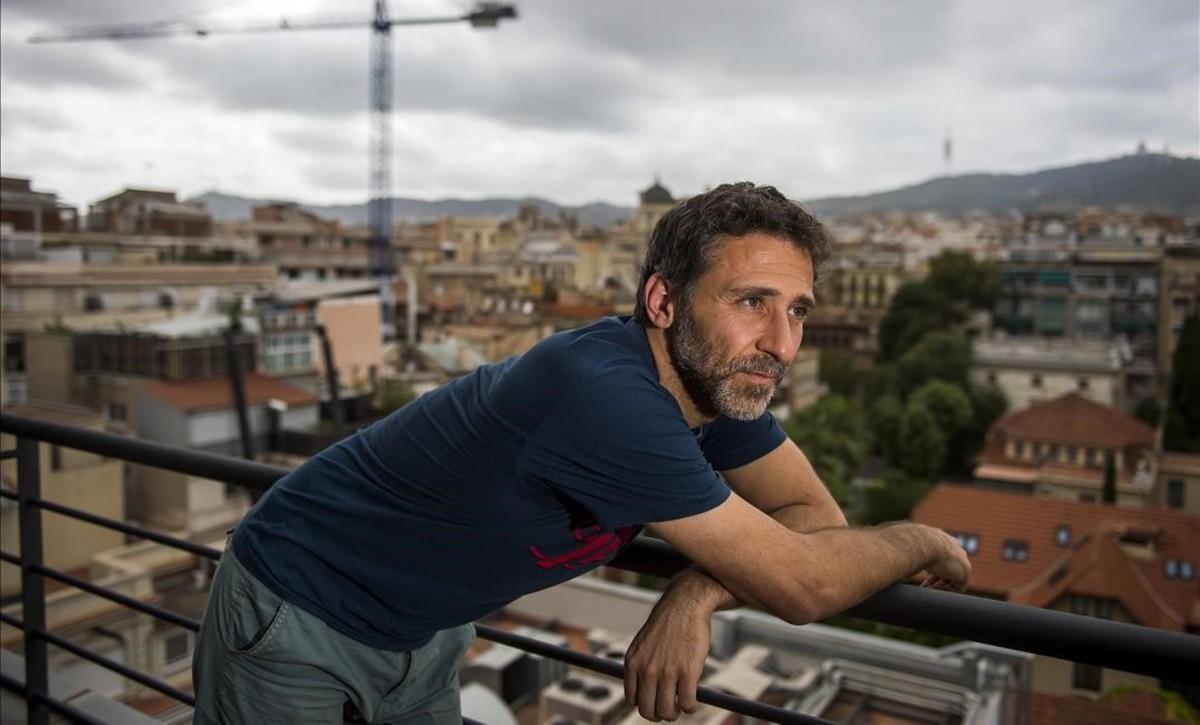 El dibujante Miguel Brieva, durante su visita a Barcelona para presentar 'La gran aventura humana'.