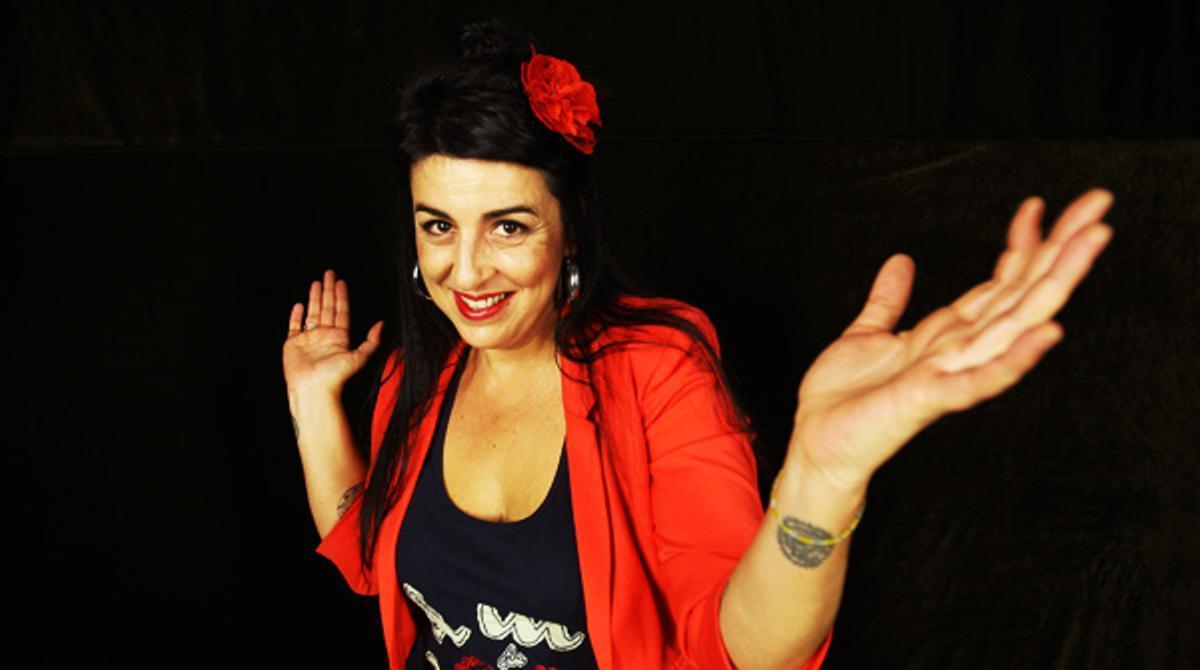 La cantante Amparo Sánchez interpreta la canción 'Alma de cantaora'.