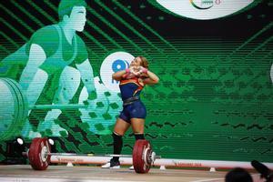 Lydia Valentín celebra el título mundial.